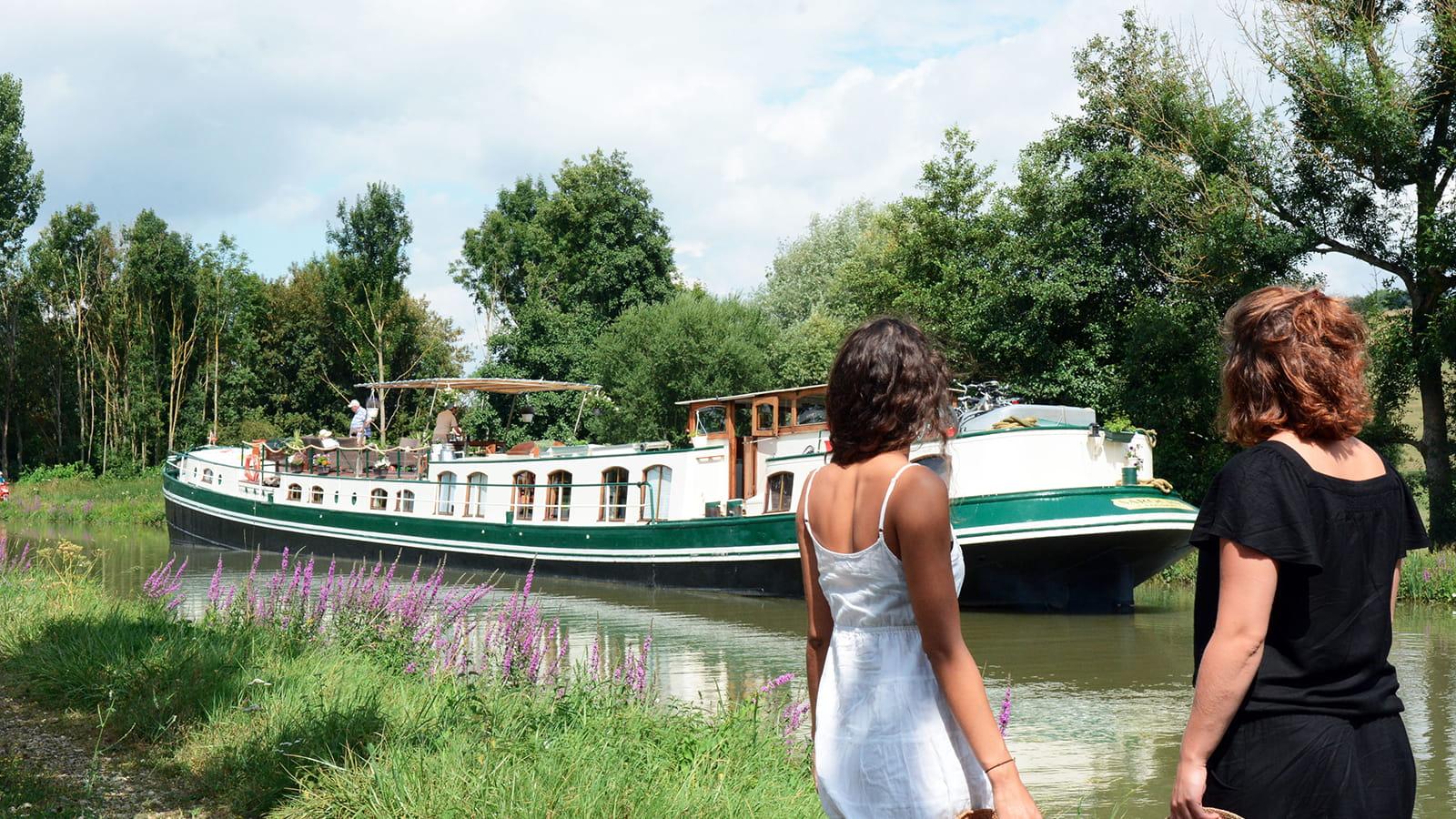 Canal et bateau