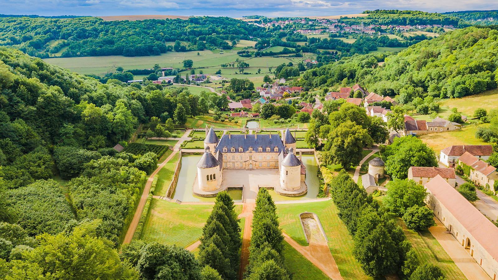 Château de Bussy Rabutin vu du ciel