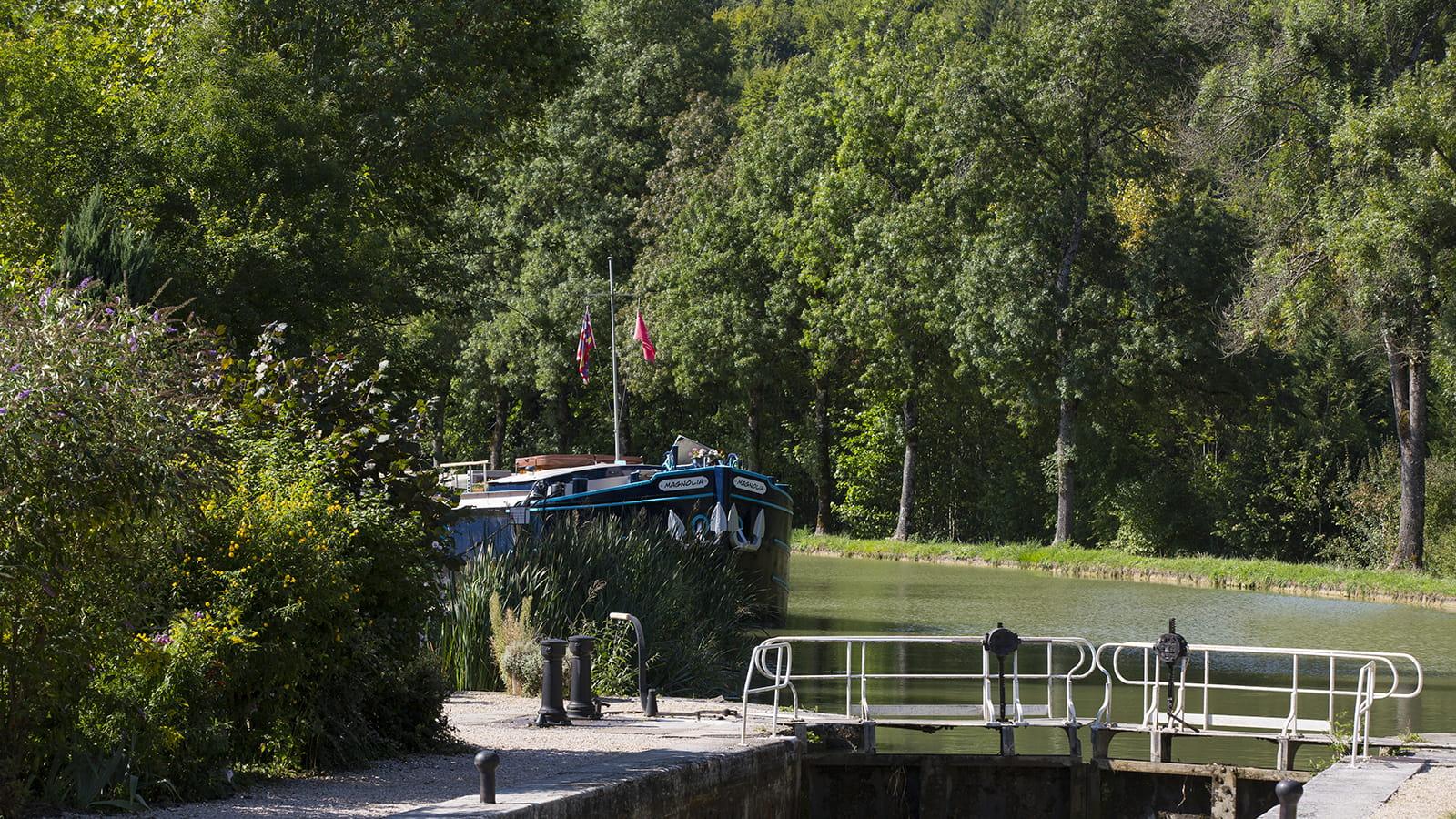 Péniche canal de Bourgogne
