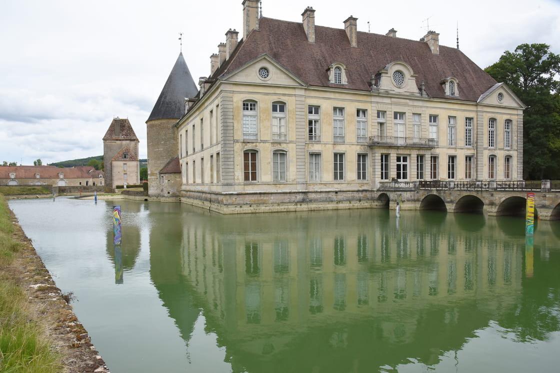 Extérieur du château de Commarin