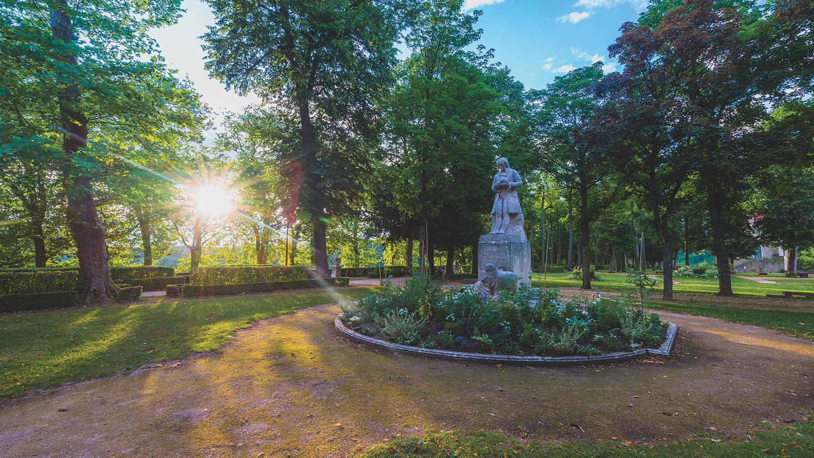 Parc Buffon et sa statue