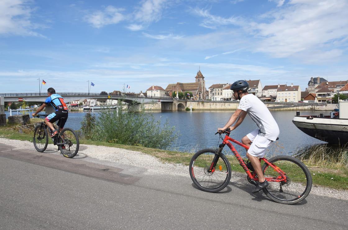 Vélo Saint-Jean-de-Losne
